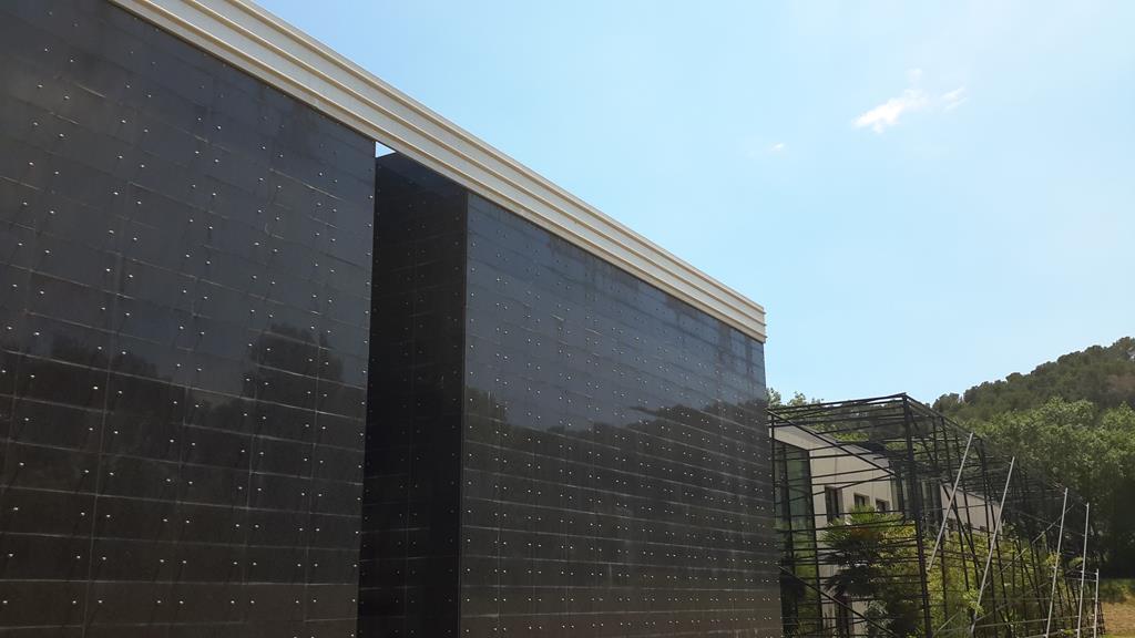 mur-façade-agrafé-granit-marbre-pierre-montpellier-hérault