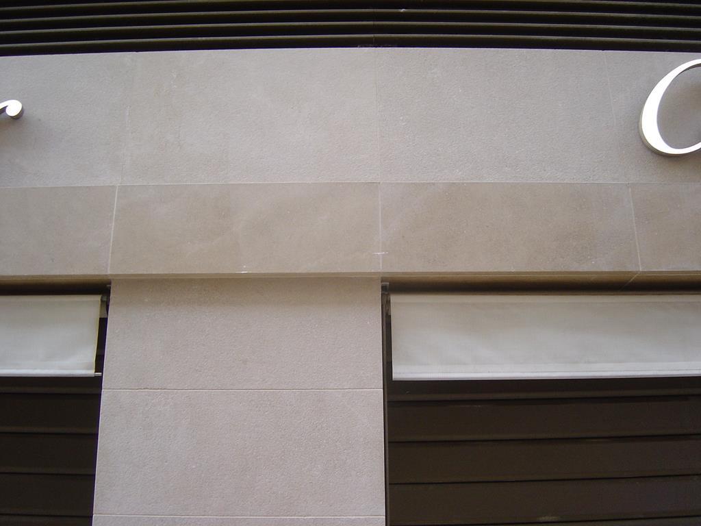 façade-marbre-pierre-marbrier-montpellier-hérault