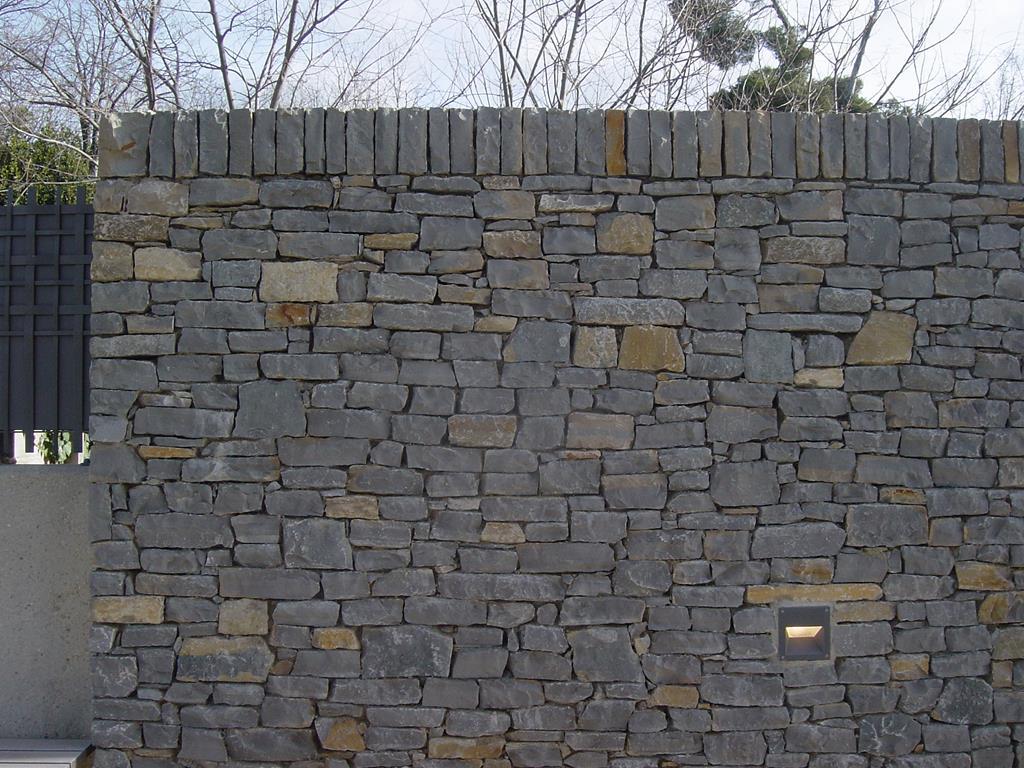 montpellier-mur-pierre-sèche-claret