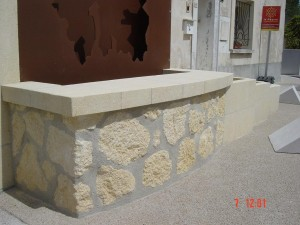 montpellier-taille-pierre-marbre-granit-jardinière