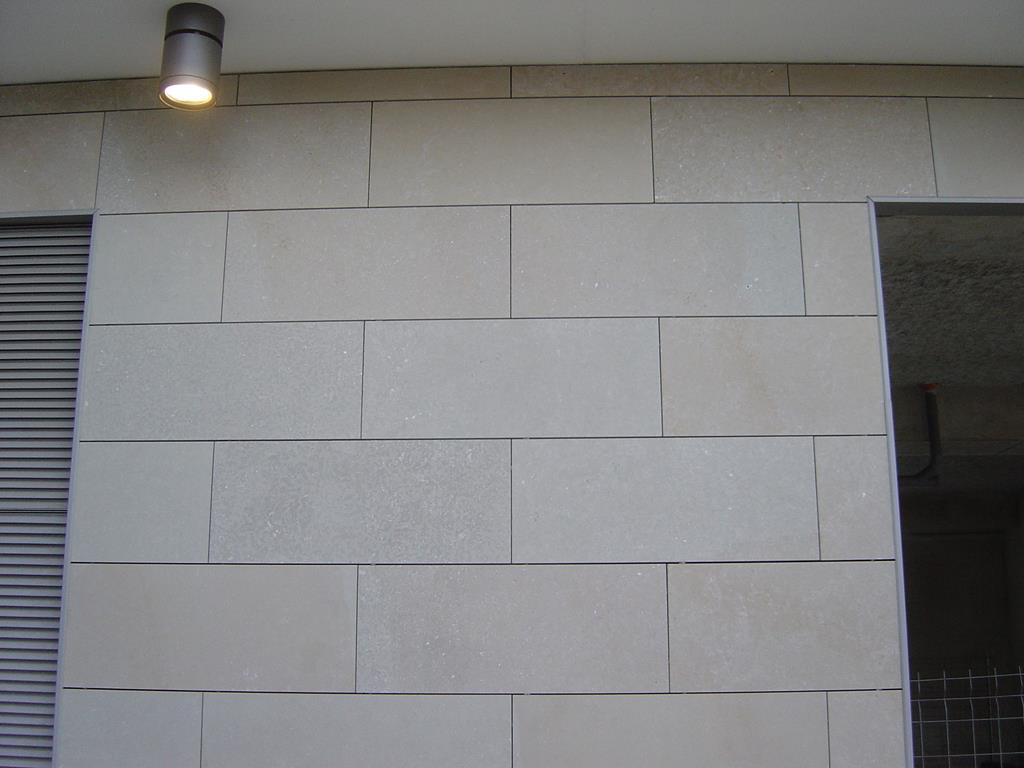 pierre-marbre-façade-agrafé-montpellier-hérault