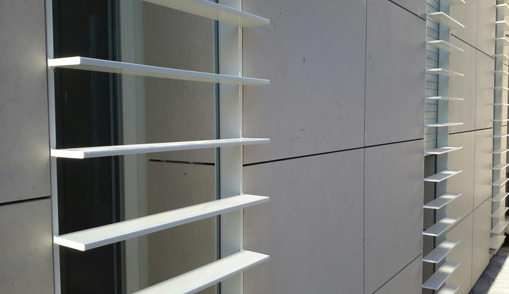 mur-façade-agrafé-pierre-marbre-granit-marbrerie-marbrier-montpellier-hérault