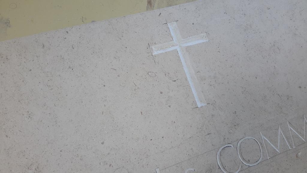 graveur-gravure-funéraire-commémoratif-pierre-marbre-granit-montpellier-hérault