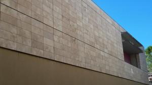 revêtement-façade-agrafée-pierre-marbre-uzès-gard